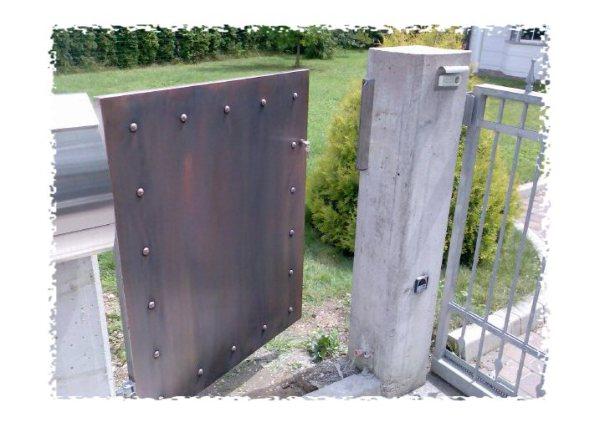 bakrena vrata, nejraveča vrata, vrtna vrata, kovana vrata, bakrena patina
